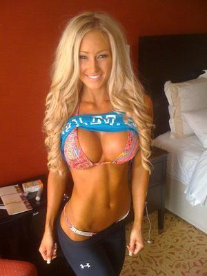 Kerri is looking for adult webcam chat