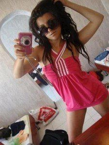 Lynette from West Hartford, Connecticut is looking for adult webcam chat